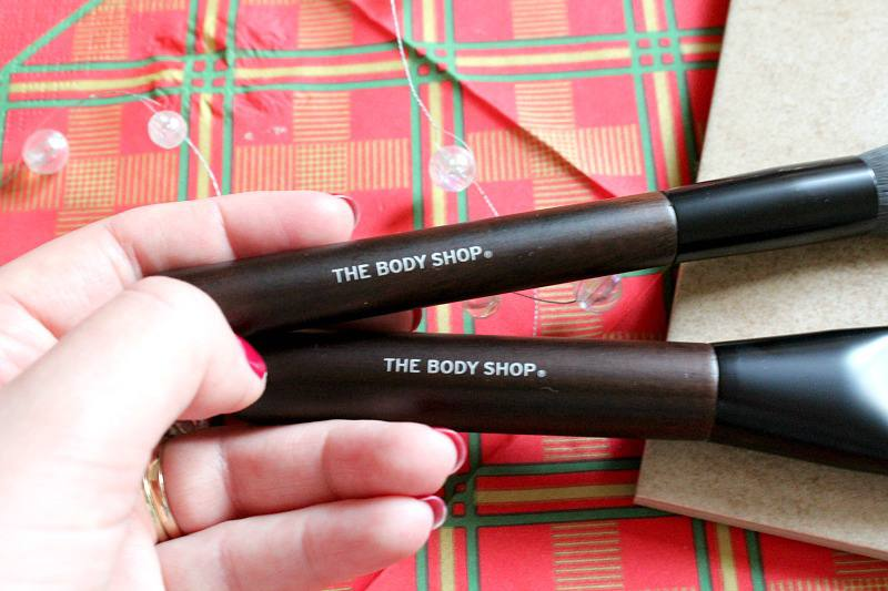 The Body Shop Makeup brushes contouring and highlight